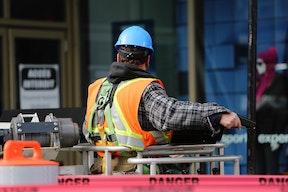 construction-worker-safety-danger-8159.jpg
