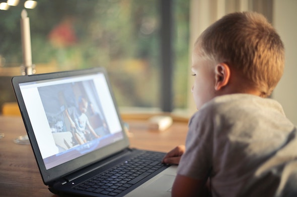 boy-watching-video-using-laptop-821948.jpg
